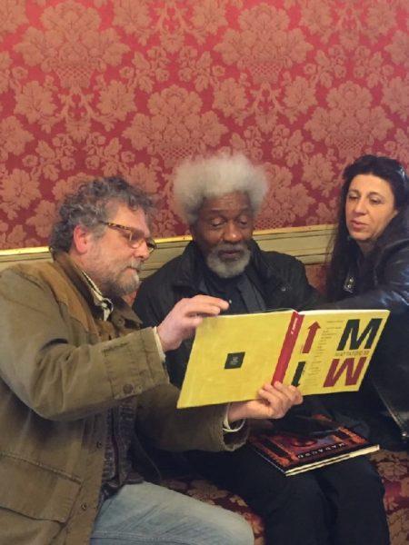 Beppe Madaudo con il Premio Nobel Wole Soyinka